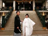 奥野さま、荒木さま : 大阪の街に、行きつけの神社ができました。[挙式]難波神社